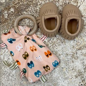 Sweet n swag mocs and crinkle teething toy